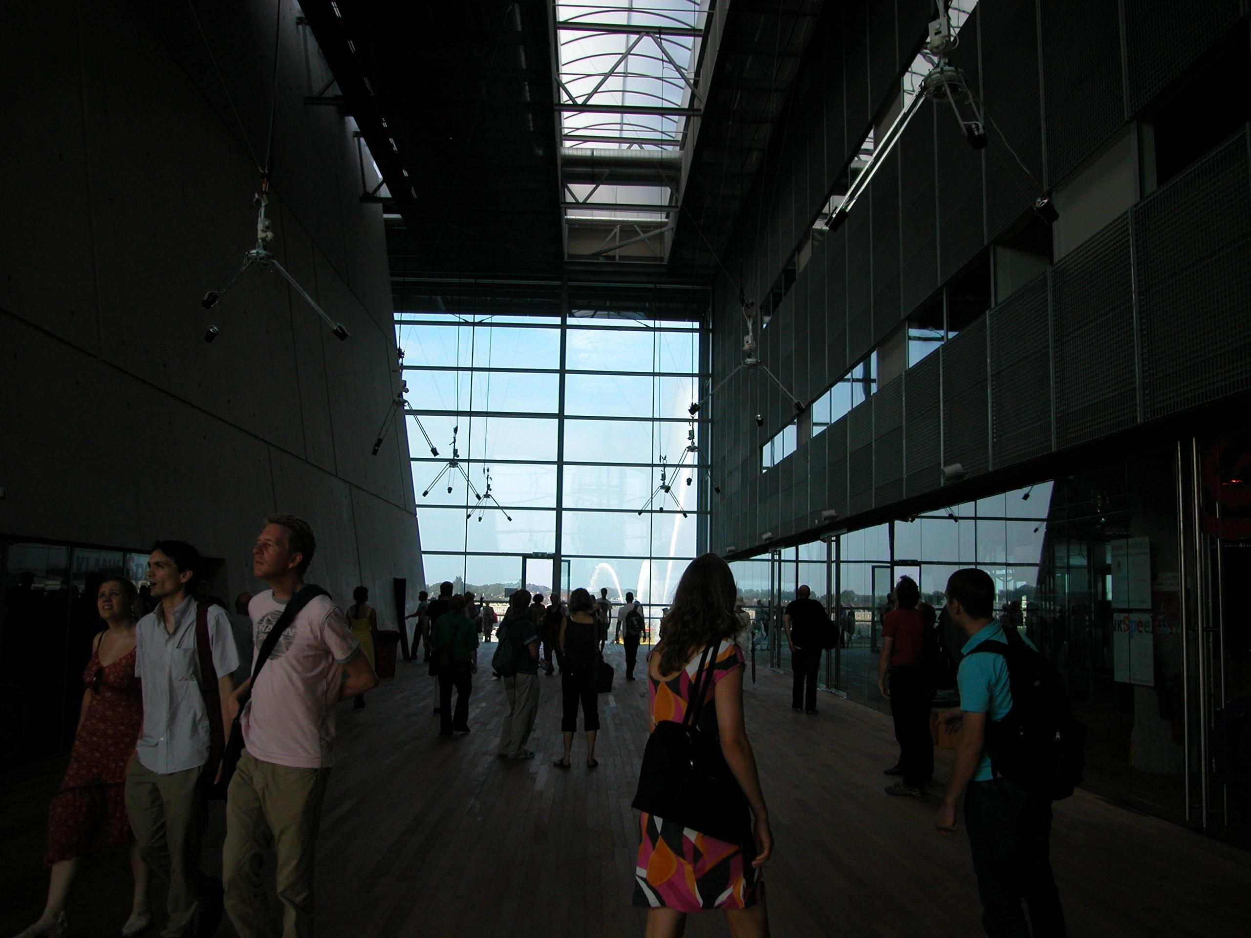 Swarm (V1) Atrium of Muziek Centrum Nederlands, Amsterdam 2008. photo: Ray Lee